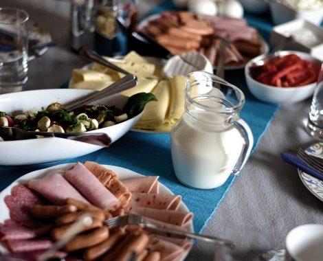 breakfast-3627962_1280